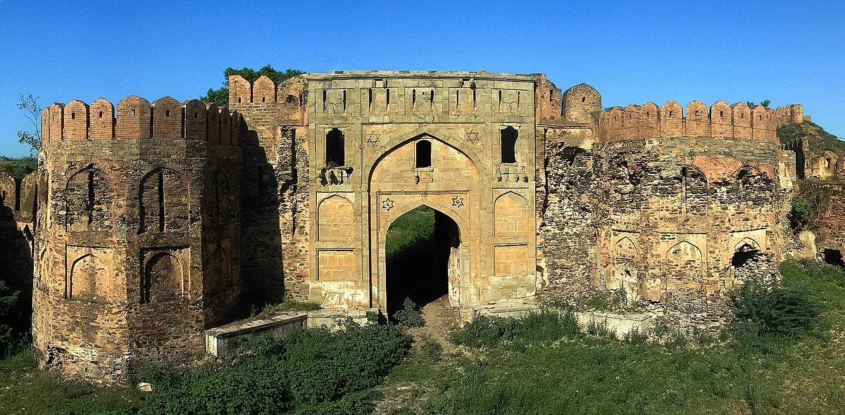 Explore The Striking Palaces and Forts Of Punjab